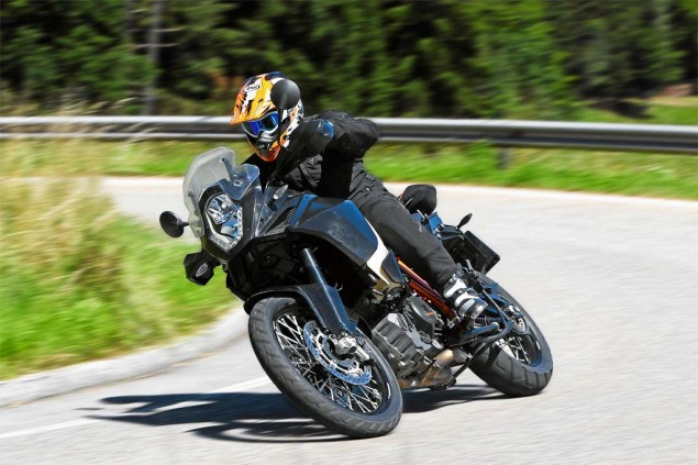 Details Drop on the 2013 KTM 1190 Adventure R 2013 KTM 1190 Adventure R Motorrad test 01 635x423