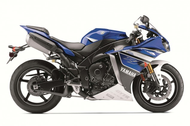 New Colors Only for the 2013 Yamaha YZF R1 2013 Yamaha YZF R1 02 635x423