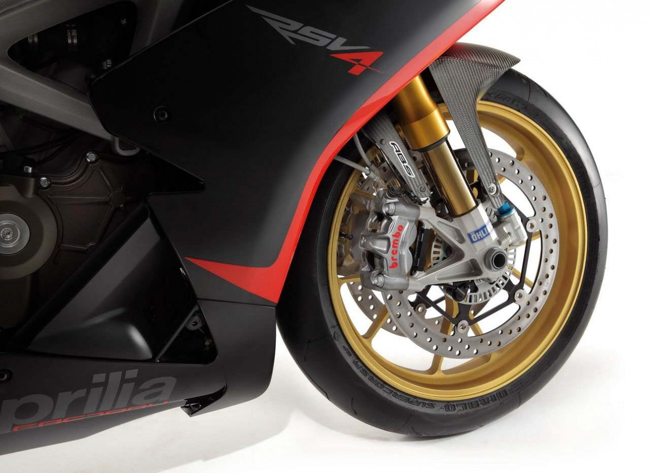 2013 Aprilia RSV4 Factory Gets ABS & Other Refinements 2013 Aprilia RSV4 Factory APRC 05 635x463