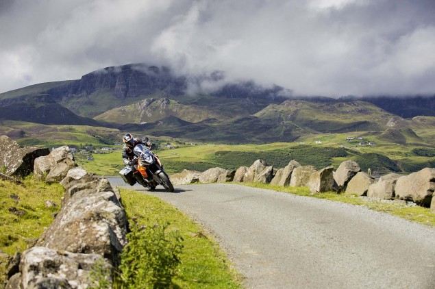 35 Photos of the KTM 1190 Adventure 2013 KTM 1190 Adventure action 04 635x422
