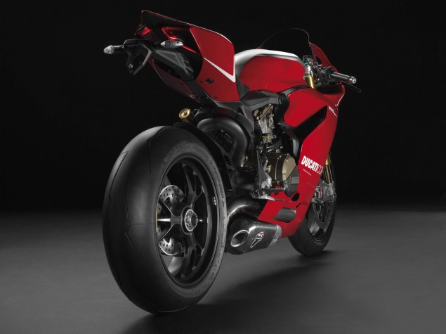 2013 Ducati 1199 Panigale R   201hp with Race Exhaust 2013 Ducati 1199 Panigle R 01 635x475