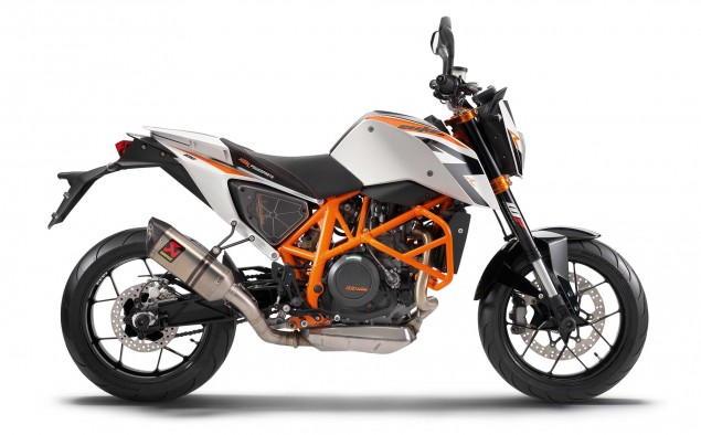 2013 KTM 690 Duke R   Please Come to America 2013 KTM 690 Duke studio 02 635x394