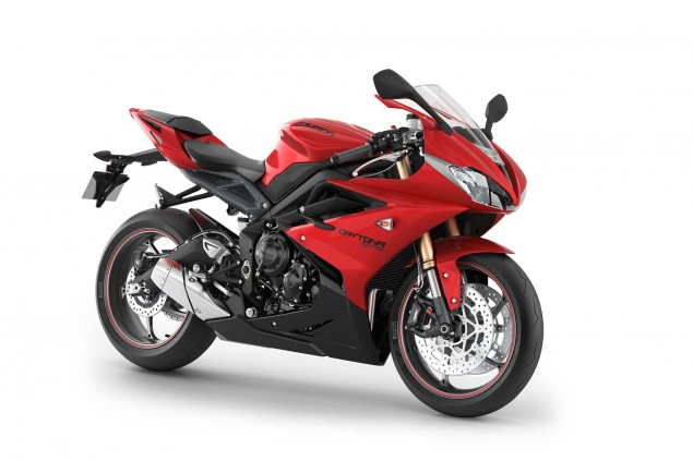 2013 Triumph Daytona 675: 126hp for $11,599 2013 Triumph Daytona 675 02 635x423