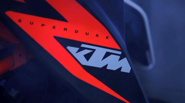 Answering the Question: Does the KTM 1290 Super Duke R Prototype Wheelie? KTM 1290 Super Duke R 635x354