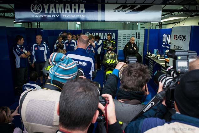 MotoGP: First Shots of Rossi Back on the Yamaha YZR M1 Valentino Rossi Valencia Test Yamaha Racing Scott Jones 06
