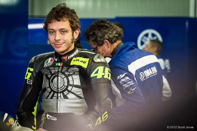 MotoGP: First Shots of Rossi Back on the Yamaha YZR M1 Valentino Rossi Valencia Test Yamaha Racing Scott Jones 07