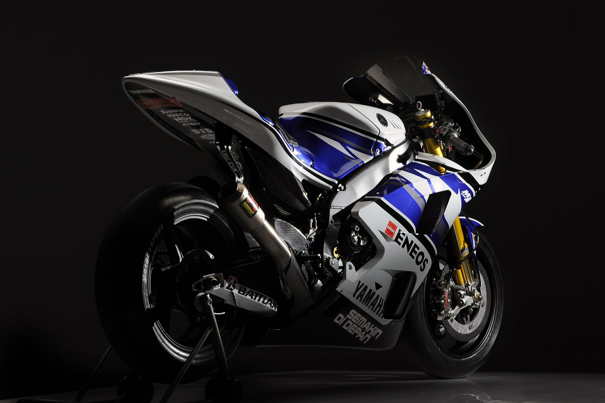 The incredibly fast Yamaha YZR M1s was raced in the Red Bull 2013 MotoGP.