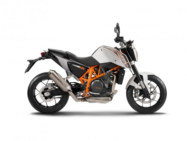 Hell Freezes Over as the KTM 690 Duke Comes to the USA 2013 KTM 690 Duke USA Canada 635x481