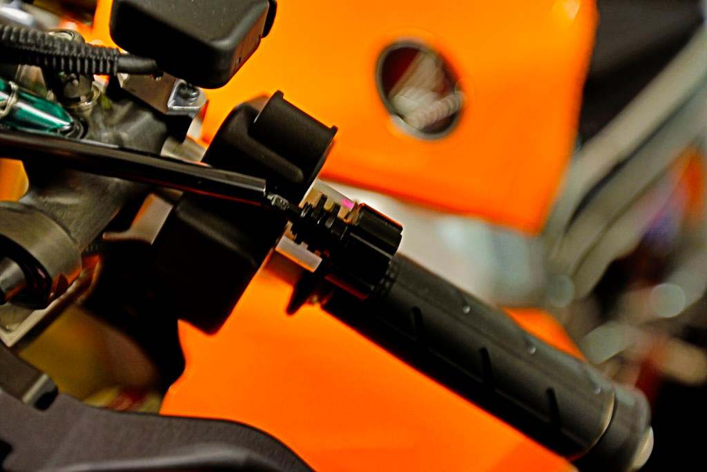 Teaser: First Photos of the 2013 Honda RC213V 2013 Honda RC213V teaser 02