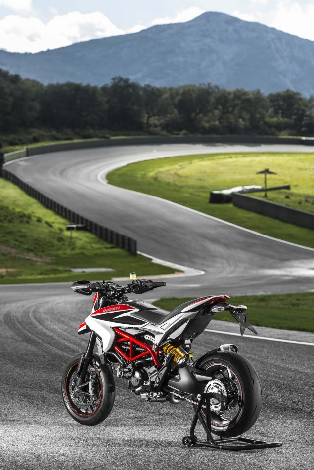 2013 Ducati Hypermotard Mega Gallery 2013 Ducati Hypermotard still photos 33 635x952