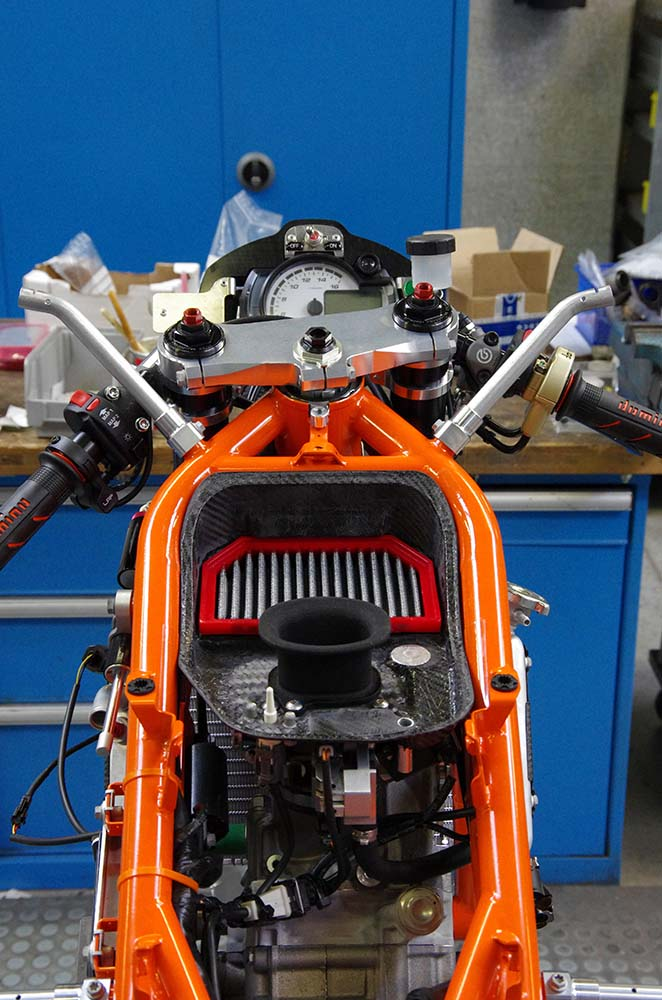 Photos: Building the KTM RC250R Production Racer 2013 KTM RC250R production racer build 07