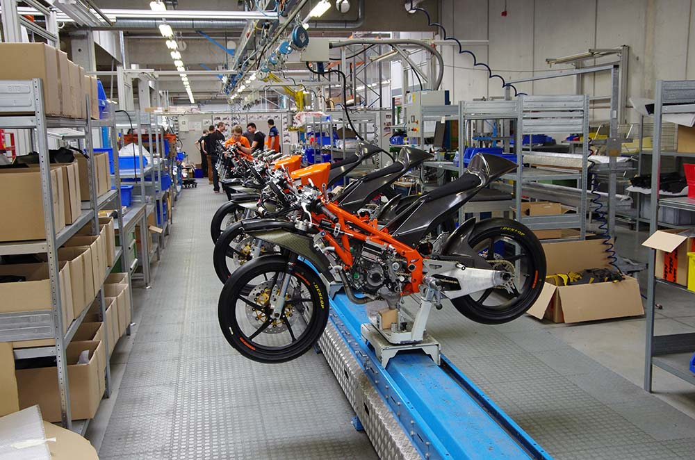 Photos: Building the KTM RC250R Production Racer 2013 KTM RC250R production racer build 15