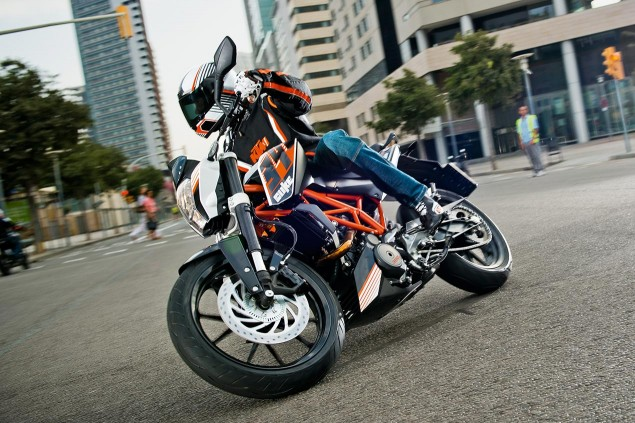Report: KTM 390 Duke Coming to the USA in 2014 KTM 390 Duke 635x423