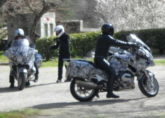 Water Cooled 2014 BMW R1200RT Spotted 2014 BMW R1200RT water cooled spy shot 01 635x454