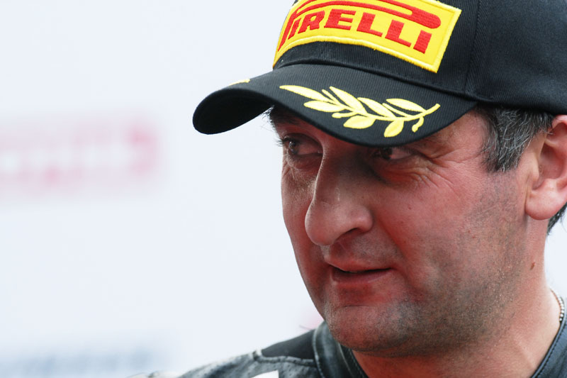 Michael Rutter Breaks Leg in Training Crash Michael Rutter IOMTT Daniel Lo