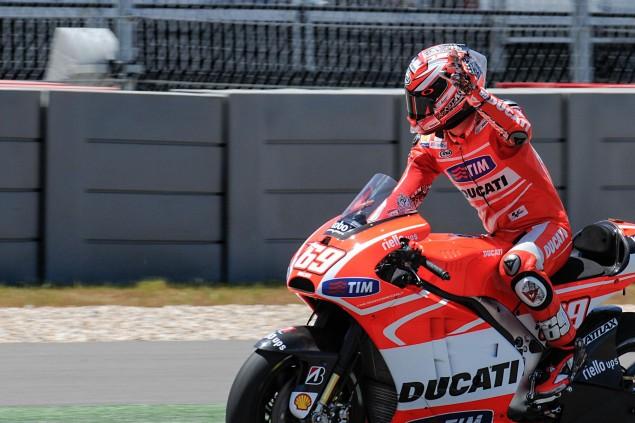 Up Close with the Ducati Desmosedici GP13 2013 Desmosedici GP13 COTA MotoGP 22 635x423