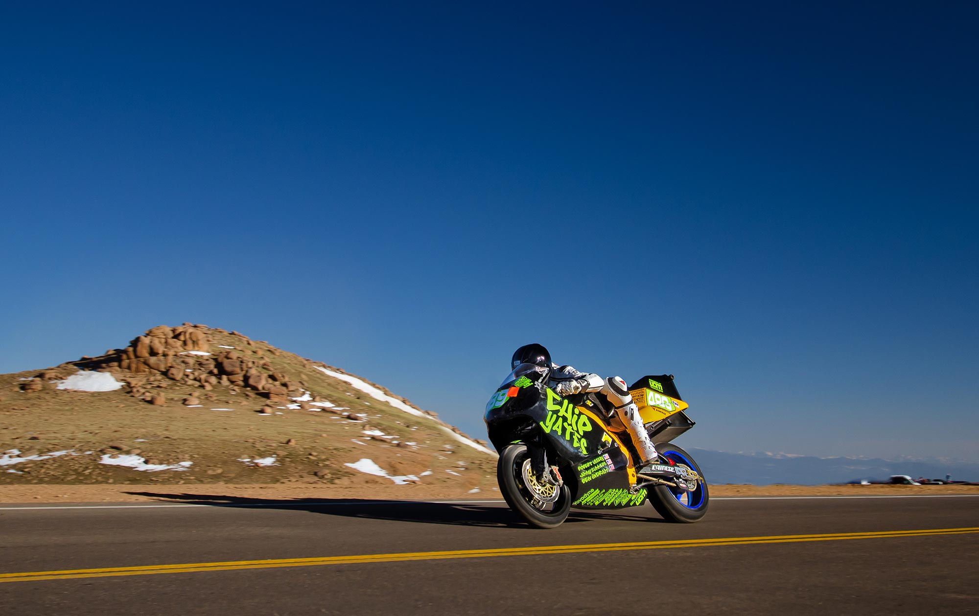 chip yates to defend electric motorcycle record at pikes peak international hill climb with. Black Bedroom Furniture Sets. Home Design Ideas