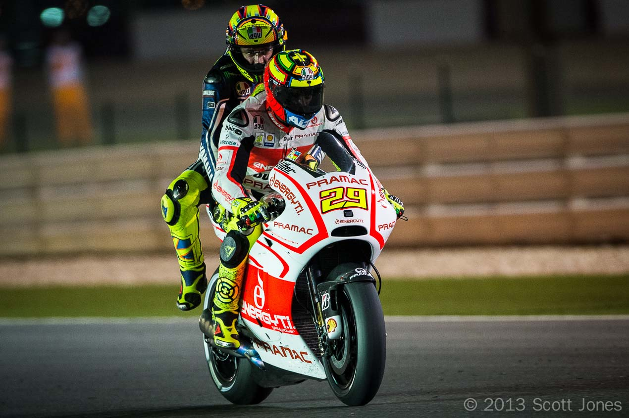 http://www.asphaltandrubber.com/wp-content/uploads/2013/04/Scott-Jones-MotoGP-Qatar-Valentino-2up-Andrea-Iannone.jpg