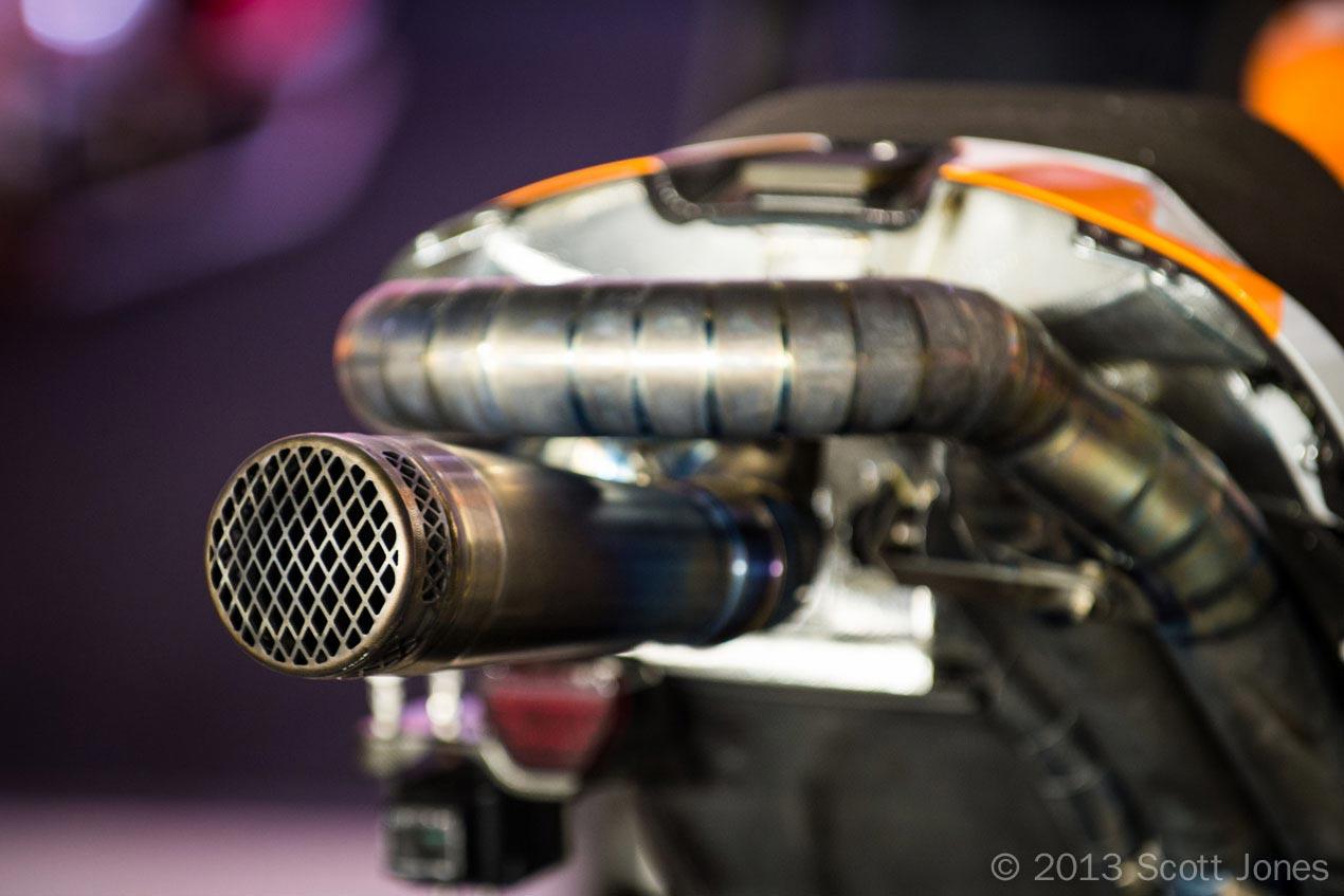 Looking for a motogp style exhaust - Suzuki GSX-R ...