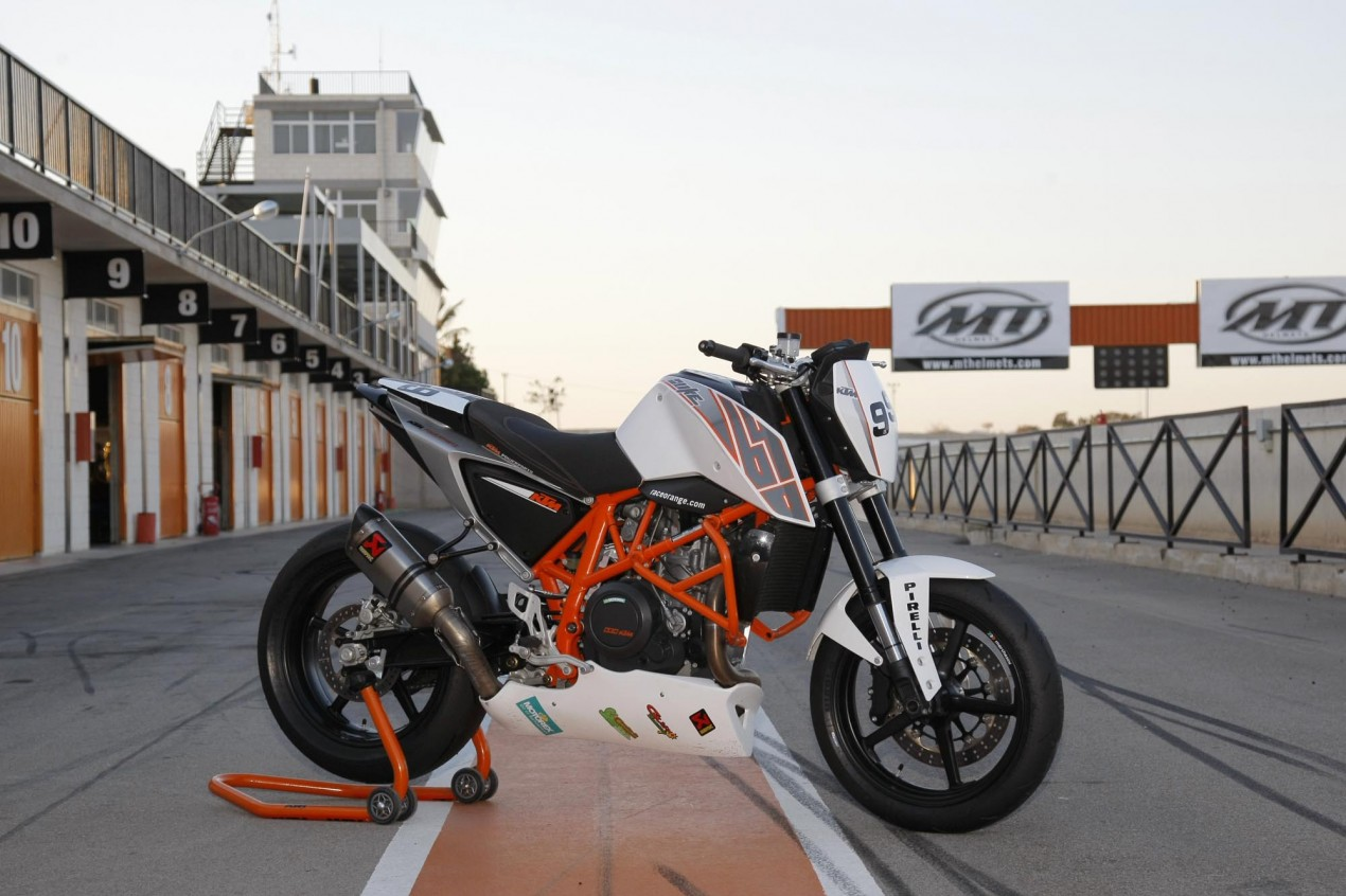 WSBK To Return to Its Roots    Race Naked Bikes ktm 690 duke track 635x423