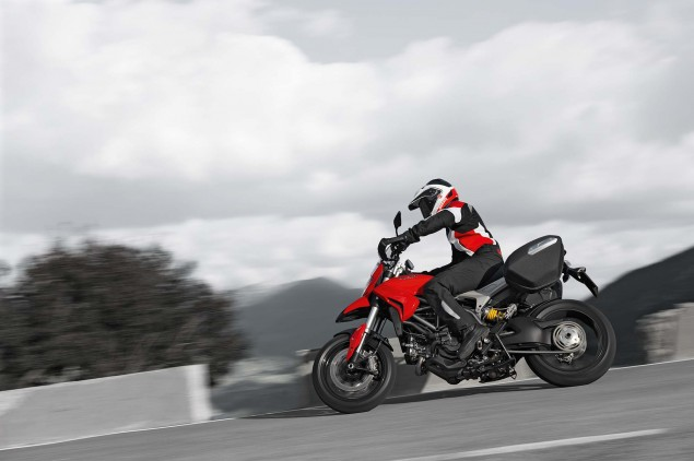 XXX: 122 Photos of the Ducati Hyperstrada 2013 Ducati Hyperstrada 60 635x422