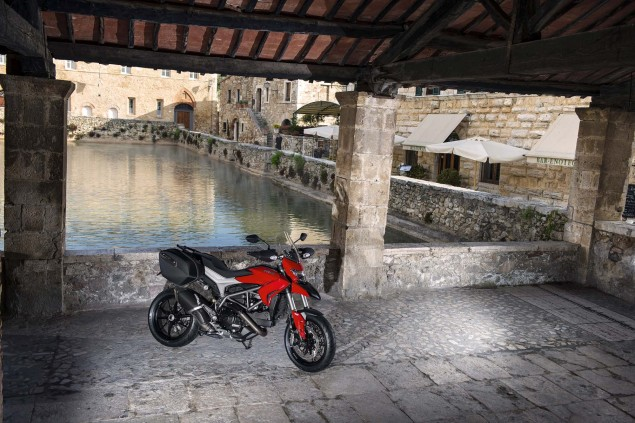 XXX: 122 Photos of the Ducati Hyperstrada 2013 Ducati Hyperstrada 83 635x423