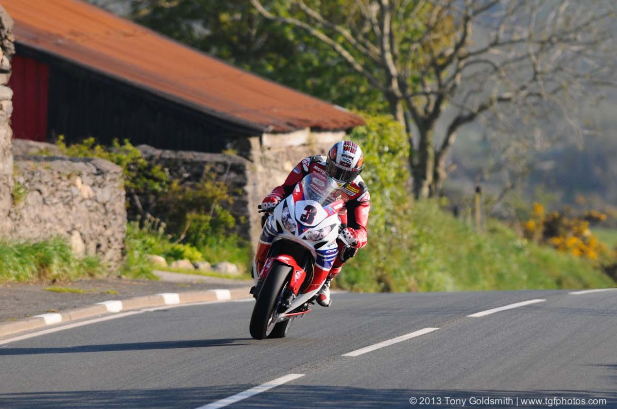 IOMTT: Superbike TT Postponed Until Sunday Lambfell Moar Isle of Man TT Tony Goldsmith 07 635x421