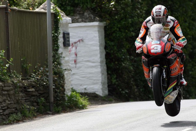 Supersport-Superstock-Ballaugh-Ballacrye-Isle-of-Man-TT-Richard-Mushet-11