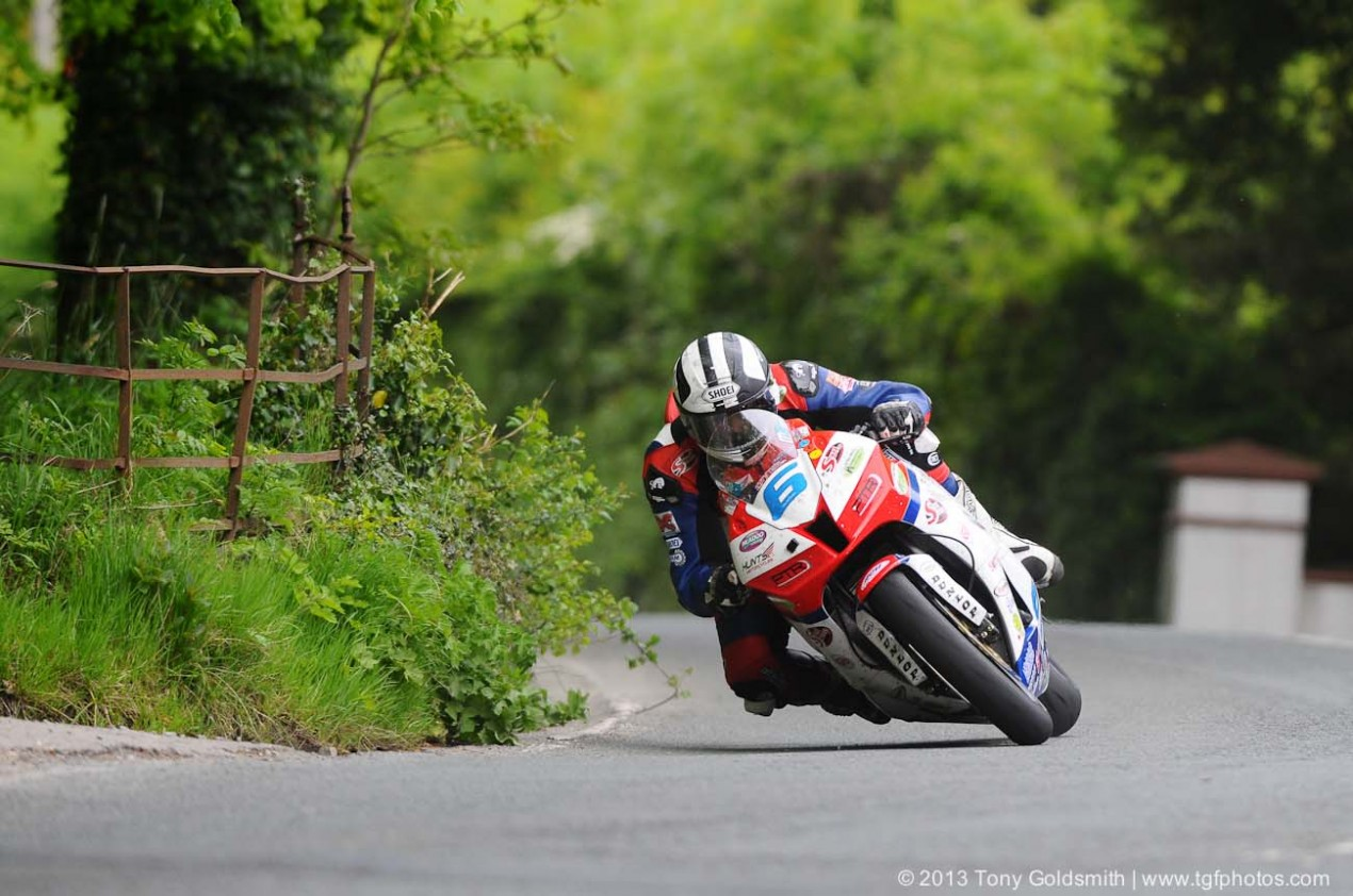 IOMTT: Monster Energy Supersport Race 1 Results Supersport Superstock race Isle of Man TT Tony Goldsmith 09 635x421