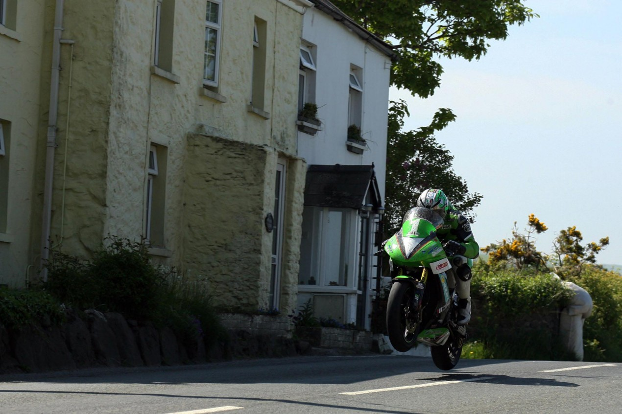 IOMTT: Lightweight TT Race Results james hillier lightweight tt 2013 isle of man tt richard mushet 635x423
