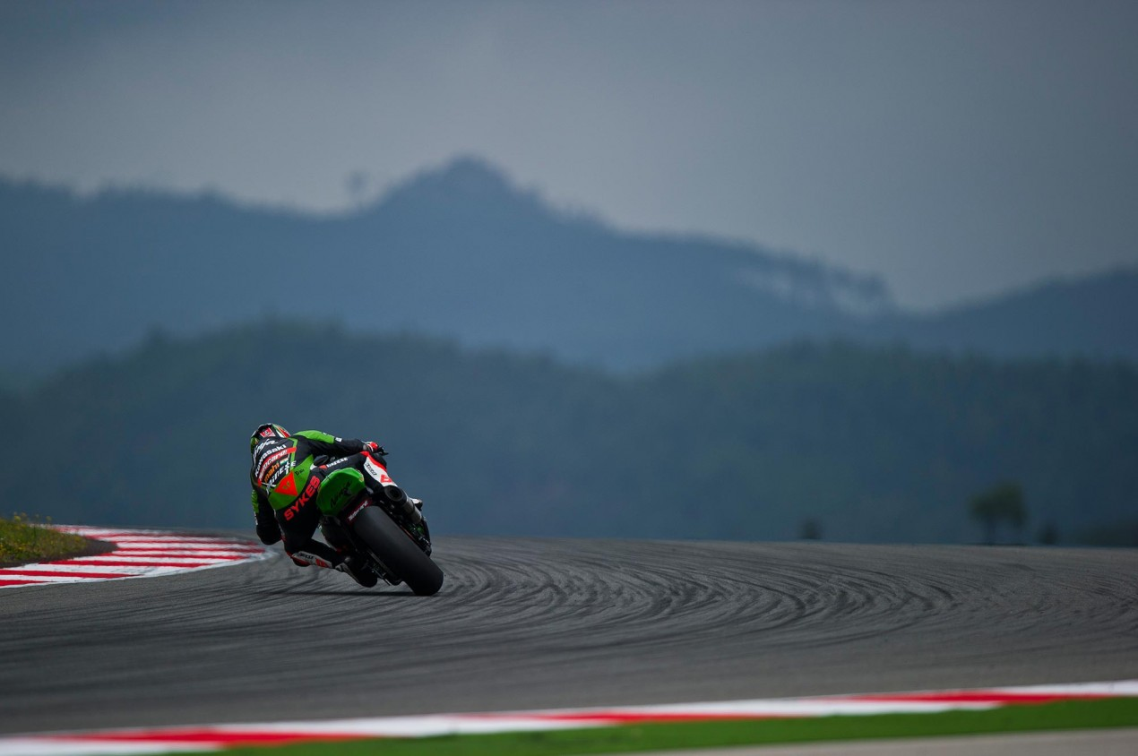 WSBK: Qualifying Results from Portimão tom sykes kawasaki racing wsbk portimao 635x422
