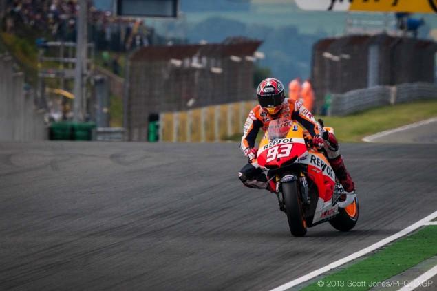 GP Sachsenring - Page 2 Sunday-German-GP-Sachsenring-MotoGP-Scott-Jones-14-635x423