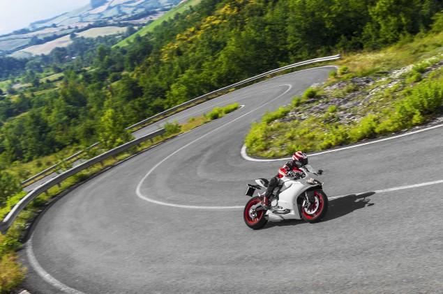 2014 Ducati 899 Panigale Mega Gallery 2014 Ducati 899 Panigale road 12 635x422
