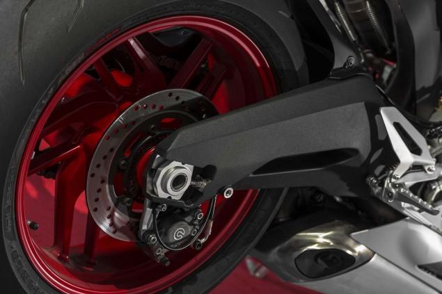 2014 Ducati 899 Panigale Mega Gallery 2014 Ducati 899 Panigale static 17 635x423