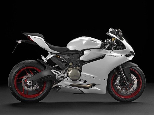 2014 Ducati 899 Panigale Mega Gallery 2014 Ducati 899 Panigale studio 15 635x475
