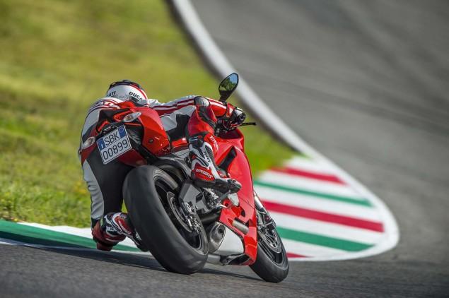 2014 Ducati 899 Panigale Mega Gallery 2014 Ducati 899 Panigale track 22 635x422