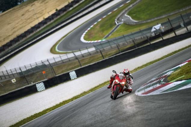 2014 Ducati 899 Panigale Mega Gallery 2014 Ducati 899 Panigale track 25 635x422
