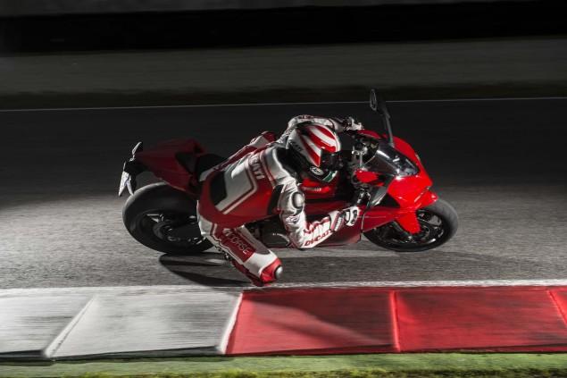 2014 Ducati 899 Panigale Mega Gallery 2014 Ducati 899 Panigale track 28 635x423