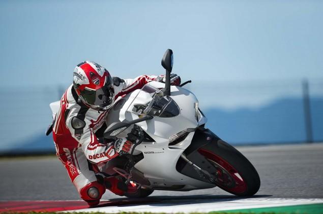 2014 Ducati 899 Panigale Mega Gallery 2014 Ducati 899 Panigale track 32 635x422