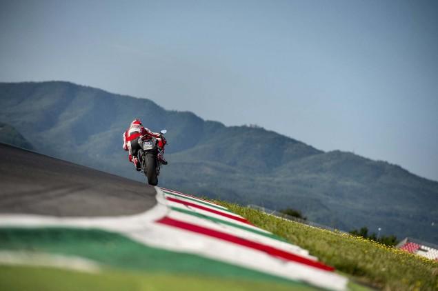 2014 Ducati 899 Panigale Mega Gallery 2014 Ducati 899 Panigale track 48 635x422