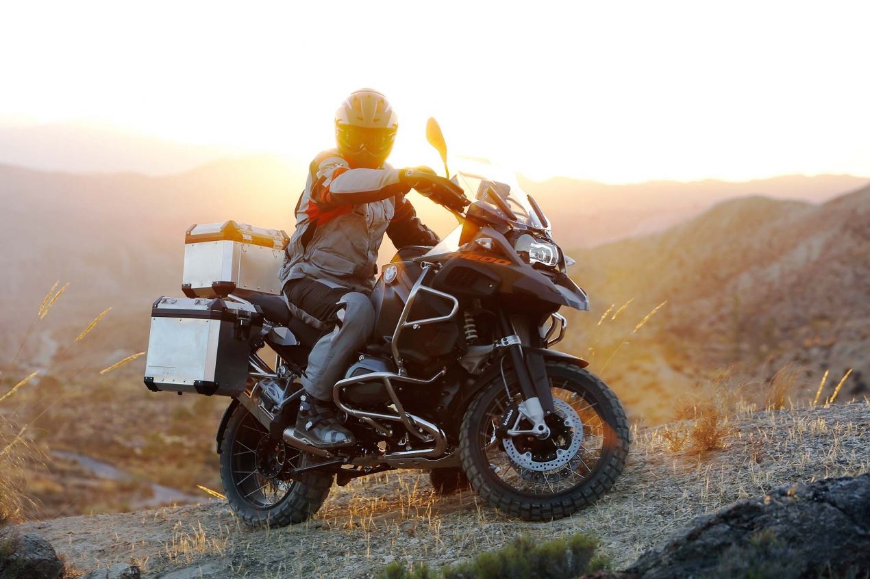 119 Hi Res Photos of the BMW R1200GS Adventure 2014 BMW R1200GS Adventure action 01 635x423