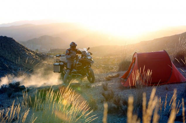 119 Hi Res Photos of the BMW R1200GS Adventure 2014 BMW R1200GS Adventure action 21 635x423