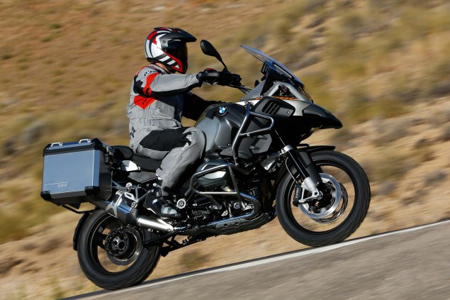 119 Hi Res Photos of the BMW R1200GS Adventure 2014 BMW R1200GS Adventure action 26 635x423