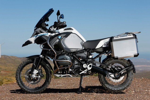119 Hi Res Photos of the BMW R1200GS Adventure 2014 BMW R1200GS Adventure outdoors 16 635x423