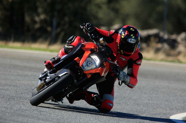 Ride Review: KTM 1290 Super Duke R 2014 KTM 1290 Super Duke R Iwan van der Valk review 08 635x423