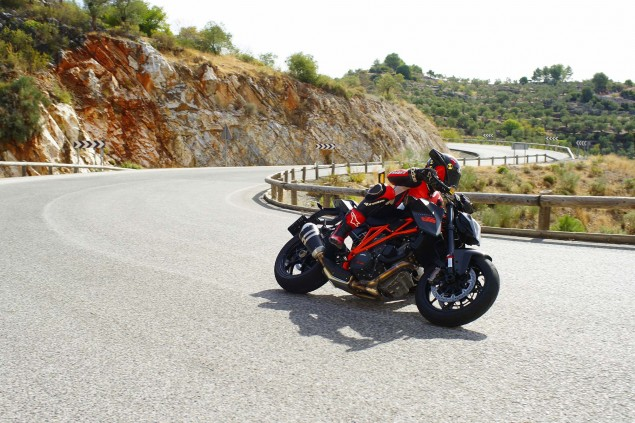 Ride Review: KTM 1290 Super Duke R 2014 KTM 1290 Super Duke R Iwan van der Valk review 11 635x423