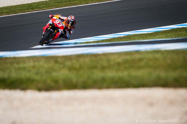 Friday Summary at Phillip Island: Lorenzos Determination, The Luck of the Hondas, & Tire Trouble on a New Surface Friday Phillip Island MotoGP 2013 Scott Jones 18 635x423