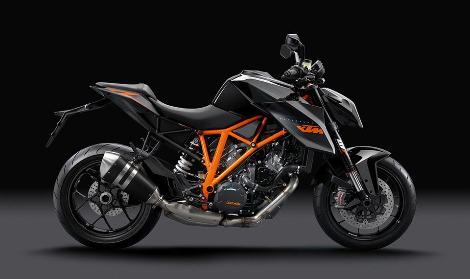 Video developing the ktm super duke 1290 r asphalt amp rubber