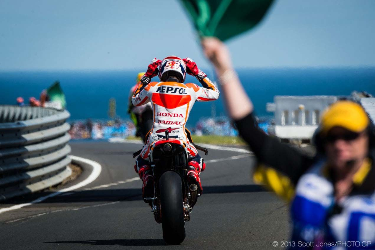 Saturday Summary at Phillip Island: The Dry Flag to Flag MotoGP Race & Apportioning Blame for the Debacle Saturday Phillip Island MotoGP 2013 Scott Jones 02 635x423