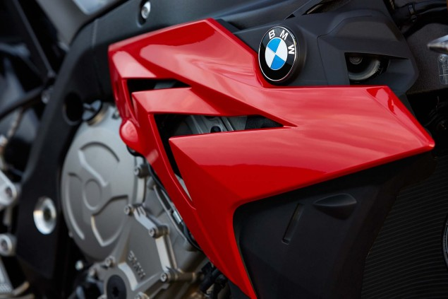 2014 BMW S1000R   160hp, ABS, & Optional DTC & DDC 2014 BMW S1000R action 63 635x423